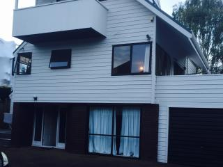 Small Double Room - Mt Eden vacation rentals