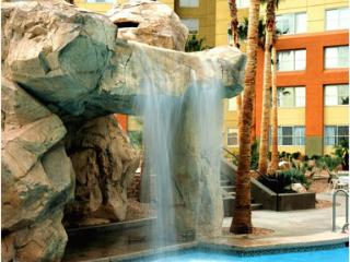 1 B/R SUITE for 4 w/kitchen, hot tub, l/r,d/r, w/d - Las Vegas vacation rentals