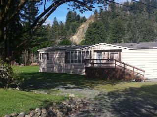 Redwood Coast River House on the Smith River & Redwood Park - Sleeps 8 - Smith River vacation rentals