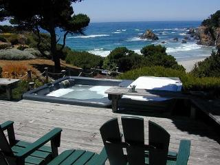 Outstanding ocean views… with a walking trail down to the beach and the ocean - Fort Bragg vacation rentals