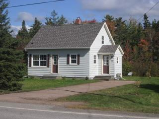 CHARMING COUNTRY COTTAGE - Wentworth vacation rentals