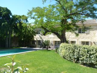 Restored farmhouse in Saint Remy de Provence - Sonsbeck vacation rentals