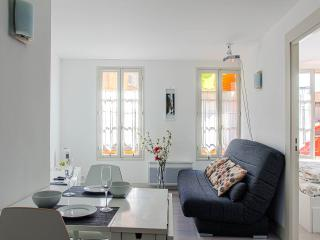 Soleiada, 2 bedroom apartment with big screen! - Cote d'Azur- French Riviera vacation rentals