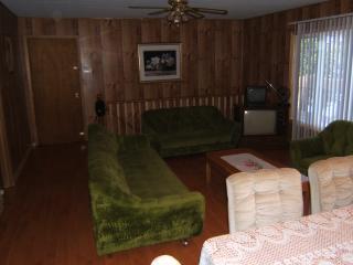 Private Lakefront Cottage Rental Parry Sound - Mactier vacation rentals