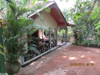 BUNGALOW THILINA - Hikkaduwa vacation rentals