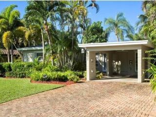 Modern Luxary home with salt water heated pool - Fort Lauderdale vacation rentals