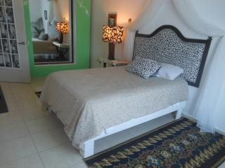 ¡WHOLE HOUSE ONLY FOR YOU! - Puerto Juarez vacation rentals