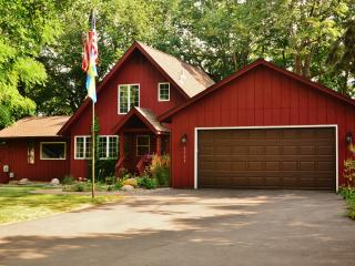 Last minute vacation? 20% off June 27-July 11, '15 - Prior Lake vacation rentals