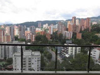 3 Story Poblado PH w/ Private Rooftop Jacuzzi 0098 - Medellin vacation rentals