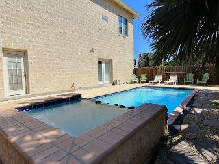 Huge house 4,300 sqft. with private pool, sleeps 14, 2 blocks to beach - Port Aransas vacation rentals