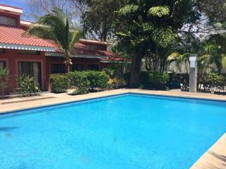 Relax and walk to the Beach in Playas del Coco - Playas del Coco vacation rentals