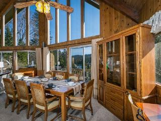 Lakeview*Walk to Lake/Village/Blue Jay*Pool Table - Lake Arrowhead vacation rentals