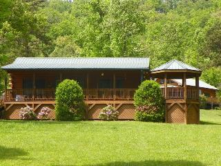 Bears Den -- Authentic Log Cabin Minutes from the National Park and Casino with Wi-Fi, Hot Tub, and Fire Pit on Wide Meadow - Dillsboro vacation rentals