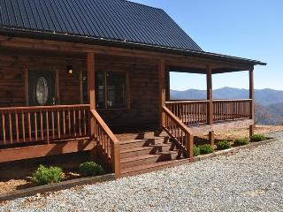 A Walk In the Clouds - Brand New 2 Bedroom Cabin with Pool Table and Magnificent View - 18 Miles to Harrahs Casino - Smoky Mountains vacation rentals