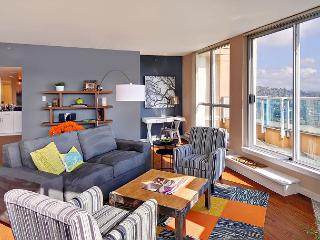 Belltown star! This luxurious penthouse apartment steals the show! - Seattle vacation rentals