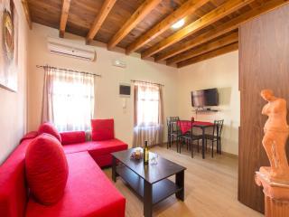 3 Charites Thalia - Rhodes Town vacation rentals