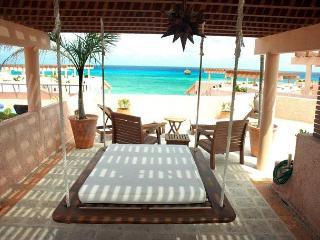 Oceanfront with pool 2 bedroom penthouse (LEG3) - Playa del Carmen vacation rentals