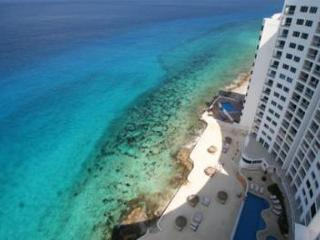 Oceanfront with pool 3 bedroom in Peninsula Grand (PG3A) - Cozumel vacation rentals