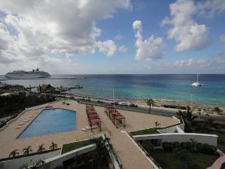 Oceanfront with pool 2 bedroom deluxe condo in Palmar condos (PM6E) - Cozumel vacation rentals