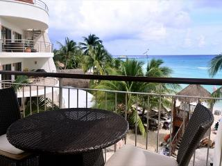 Luxurious 1 bedroom 2-bathroom beachfront condo (EFS307) - World vacation rentals