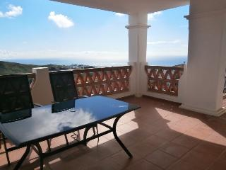 Beautiful 2 bedrooms holiday apartment rental in C - Sitio de Calahonda vacation rentals