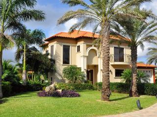 Gold Coast Luxury 3 BD Villa at Malmok Beach - Malmok Beach vacation rentals