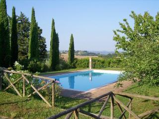 Vacation Rental at Casa di Gloria in Tuscany - Fiorino vacation rentals