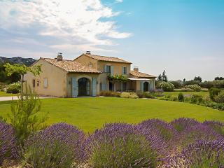 Les Pierres Blanches - Provence vacation rentals
