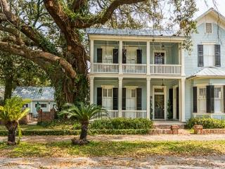 Grand Southern Victorian Home with Courtyard - Brunswick vacation rentals