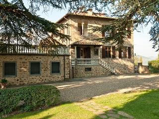Quintessential Chianti landscape views- 4km from Greve in Chianti. SAL VMT - Chianti vacation rentals