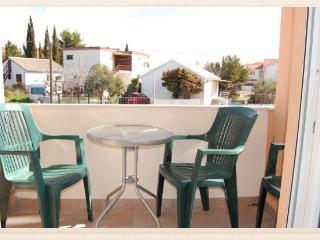 36000 A2(2+1) - Tribunj - Tribunj vacation rentals