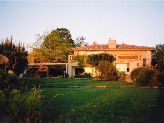 Beautiful Gironde Estuary view - house w/pool - Meschers-sur-Gironde vacation rentals