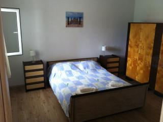 Apartment Ivana for 6 with AC - Kastel Stafilic vacation rentals
