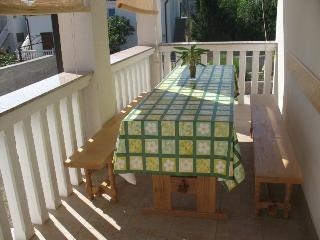 Karly Apartment 2 for 6 with air conditioning and barbecue - Karlobag vacation rentals