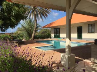 Gorgeous tropical Villa Dushi den Bientu - Willemstad vacation rentals