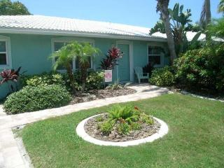 Sand Dollar Villa - Holmes Beach vacation rentals