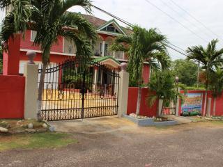 PARADISE NEST - Ocho Rios vacation rentals