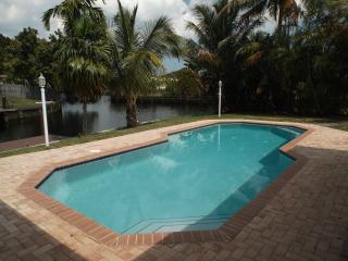 SINGLE FAMILY HOUSE   PRIVATE HEATED POOL & DOCK - Fort Lauderdale vacation rentals