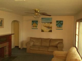 Newly Remod 4BR House W/ Yard 3 Blks 2 Beach! - Wildwood Crest vacation rentals