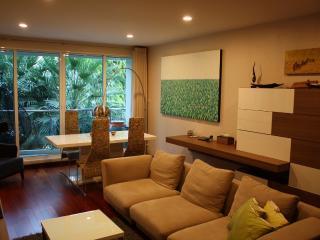 Cozy Condo, River View, 2bed/2bath - Bangkok vacation rentals