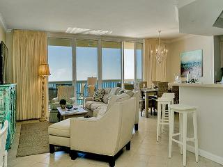BEACHFRONT LUXURY FOR 10! OPEN 6/28-7/4 CALL BEFORE IT'S GONE! - Destin vacation rentals