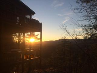 Three Bears Bluff - It's Juuust Right! - McCaysville vacation rentals