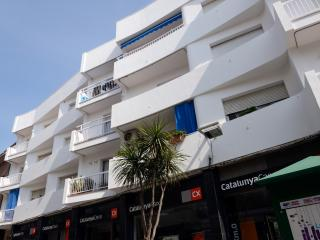 Apartment close to beach in village of Barcelona - Canet de Mar vacation rentals