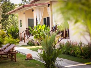 Coco Lilly 1 bed Garden view Villa/Bungalow - Koh Phangan vacation rentals