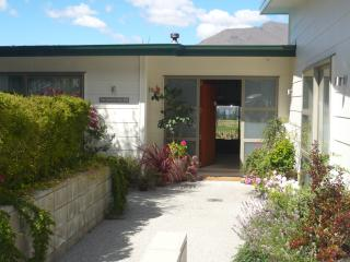 The B & B on the Hill, The Flat, Queenstown - New Zealand vacation rentals