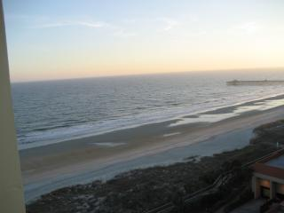 MAY 11-21 $125nt or $815wk  - FEW summer wks left - Myrtle Beach vacation rentals