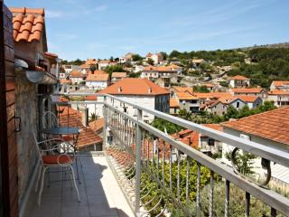 Moro House-Free wifi and pool. Croatian Hospitalit - Cove Osibova (Milna) vacation rentals