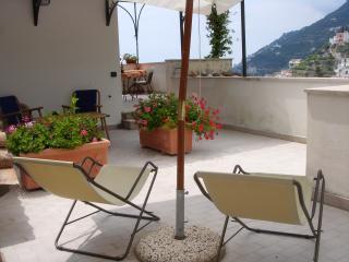 Gelsomino for 2 overlooking spectacular sea view - Minori vacation rentals