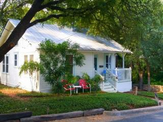 Charming Cottage Great Central Location - Washington DC vacation rentals