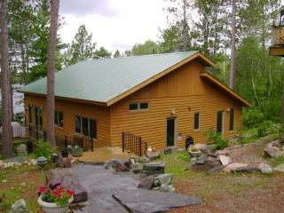 Ring Rock Retreat: Beautifully Luxurious Fully Modernized Timber Frame Cabin on White Iron Lake - Ely vacation rentals